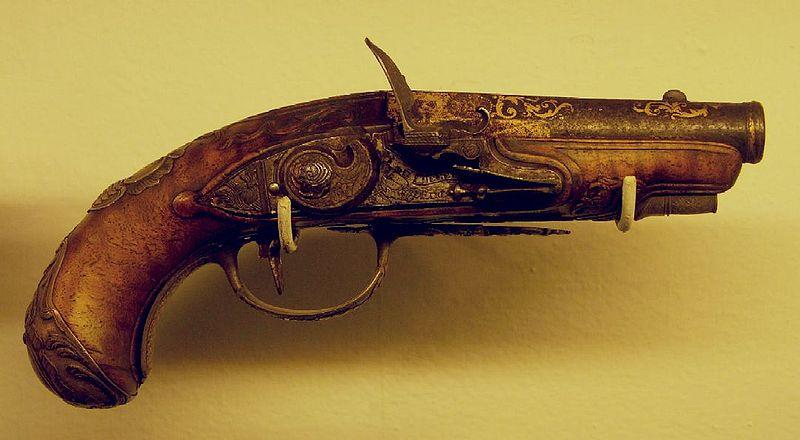 800px-Flintlock_pistol_(Chepry)