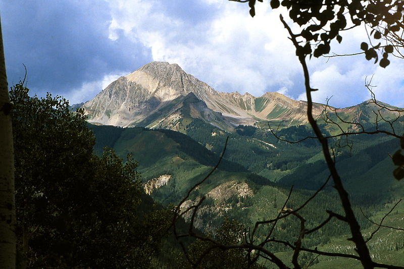 800px-Mt._Daly,_Pitkin_County,_CO