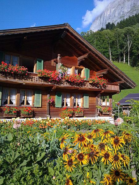 450px-Swiss_chalet