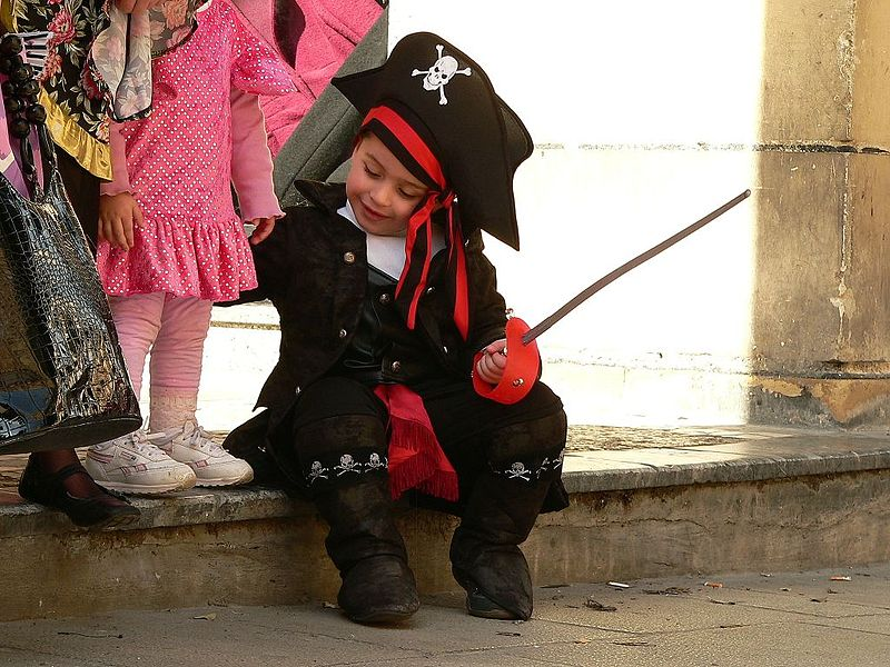 Carnival_in_Valletta_-_Pirate_Costume