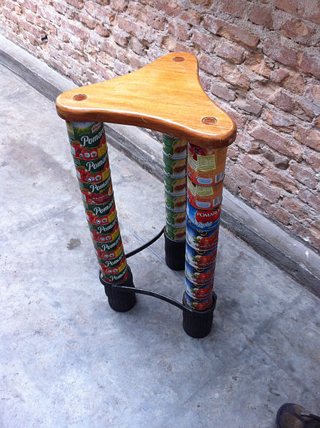 448px-Cans_repurposed_as_a_chair_in_Brazil