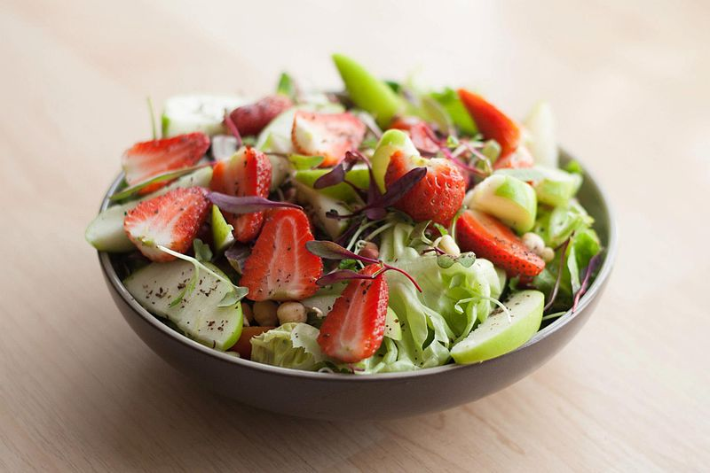 Strawberry_&_Apple_Salad