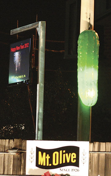 2012_pickle_drop