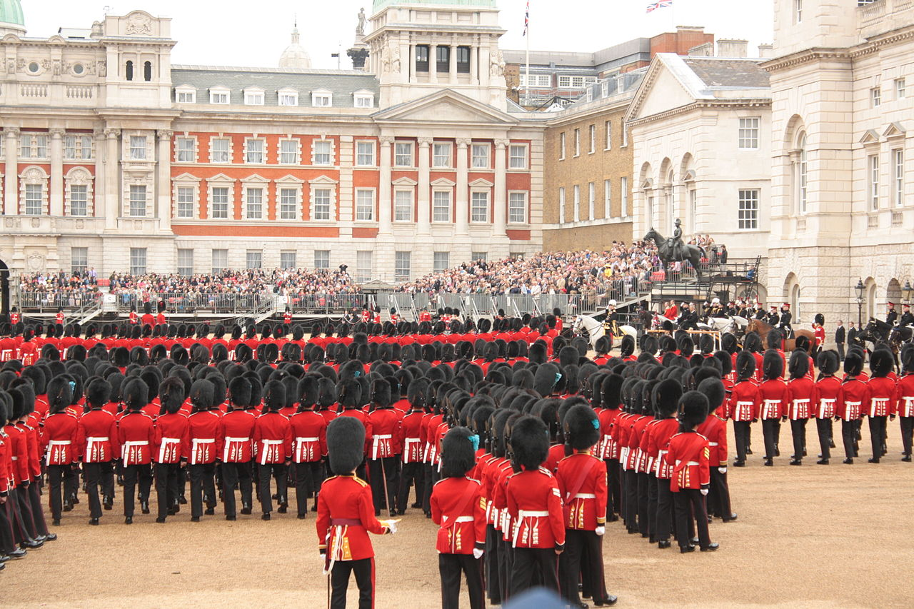 1280px-Horse_Guards_at_the_rehearsal_of_the_Queen's_birthday_parade_in_2012_18
