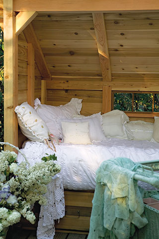 hut-bed575W3541