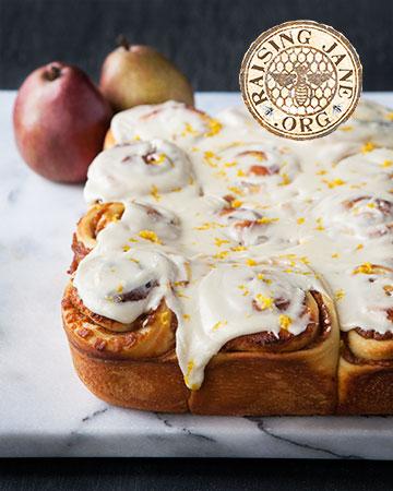 pear-cinnamon-rolls_7996